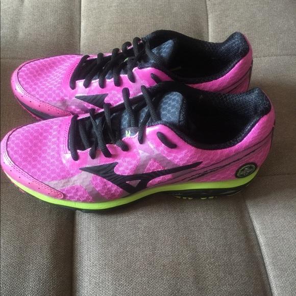 mizuno running shoes mens size 10 ladies